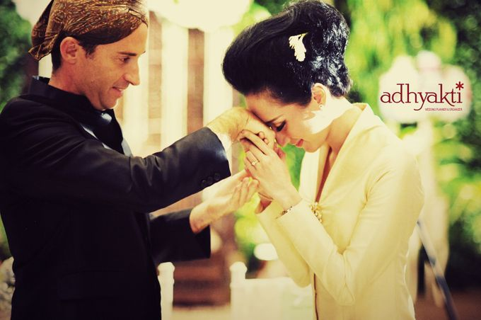 Adrian & Wina Wedding Day by Adhyakti Wedding Planner & Organizer - 013
