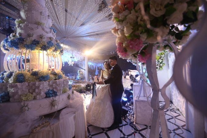 Wedding Of Danny & Elizabeth by Cozzy Photo Print - 006