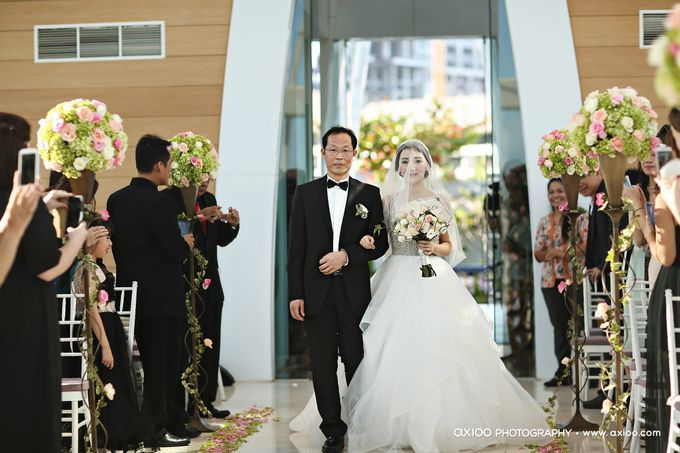 Ritz Carlton Bali Wedding | Addo & Jodie by Eurasia Wedding - 016