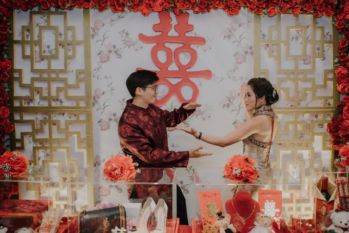 The Engagement of Rudy & Meilani by Macherie dressmaker - 024