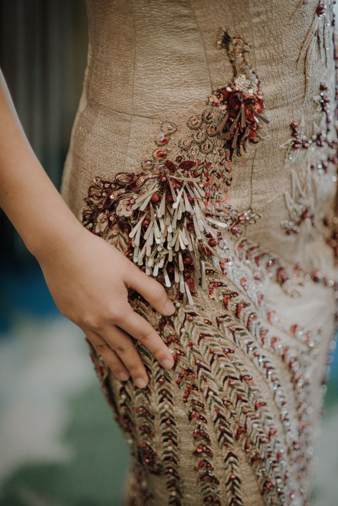 The Engagement of Rudy & Meilani by Macherie dressmaker - 003