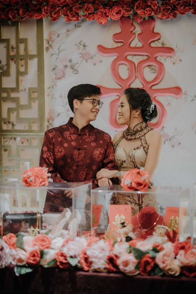 The Engagement of Rudy & Meilani by Macherie dressmaker - 006
