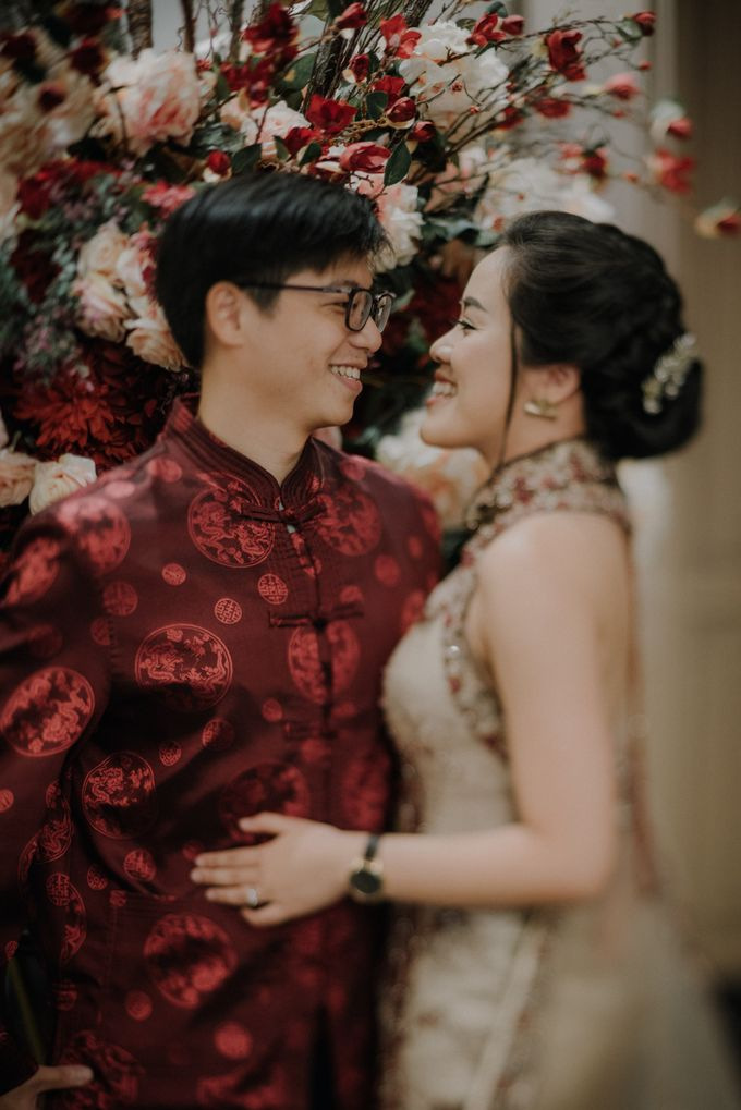 The Engagement of Rudy & Meilani by Macherie dressmaker - 008