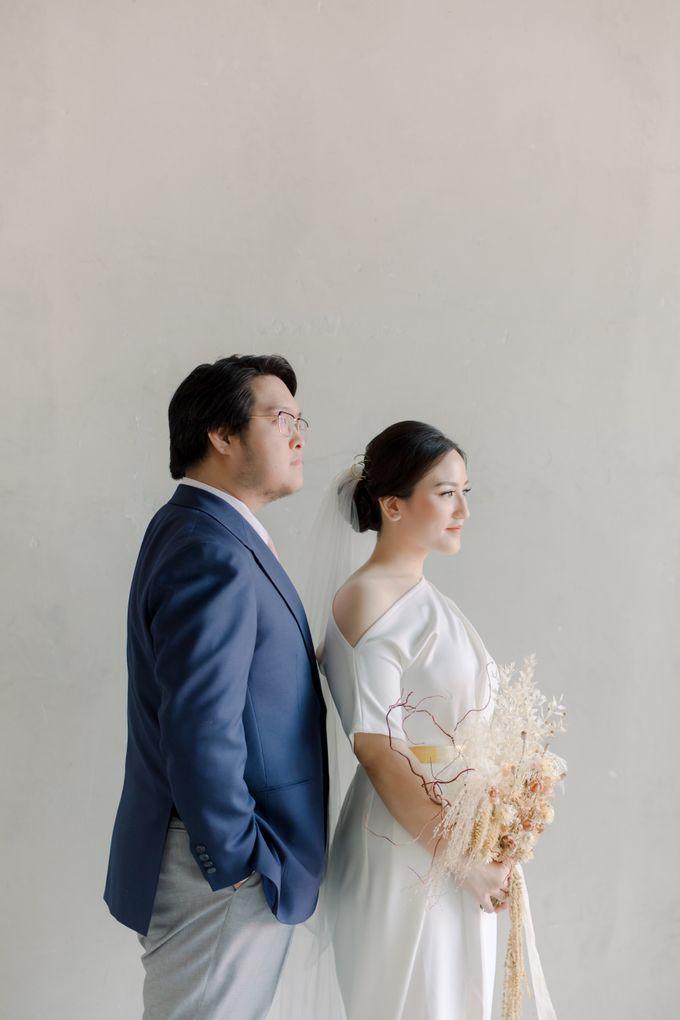 Intimate Wedding - Lukas & Olivia by Iris Photography - 004