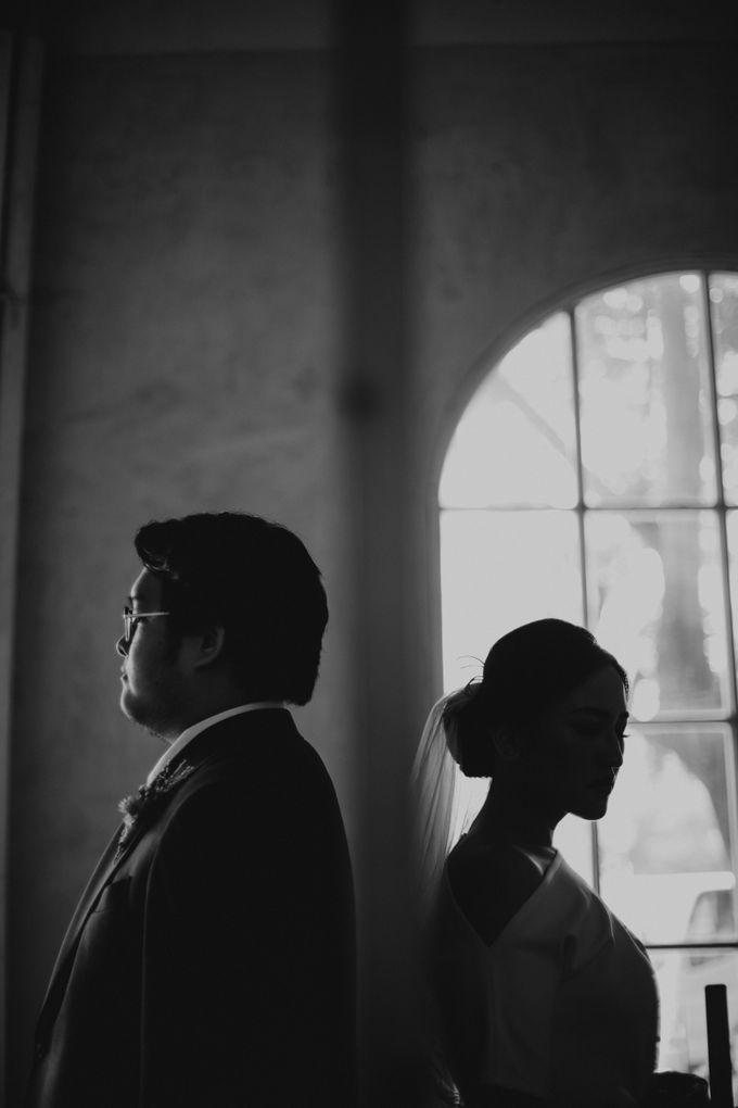 Intimate Wedding - Lukas & Olivia by Iris Photography - 014