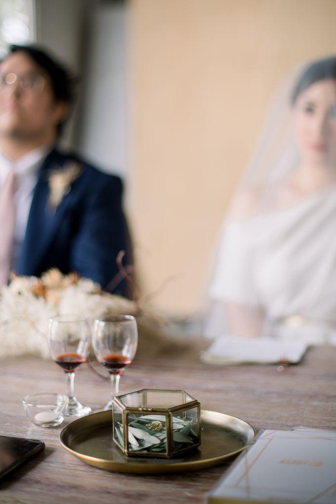 Intimate Wedding - Lukas & Olivia by Iris Photography - 018