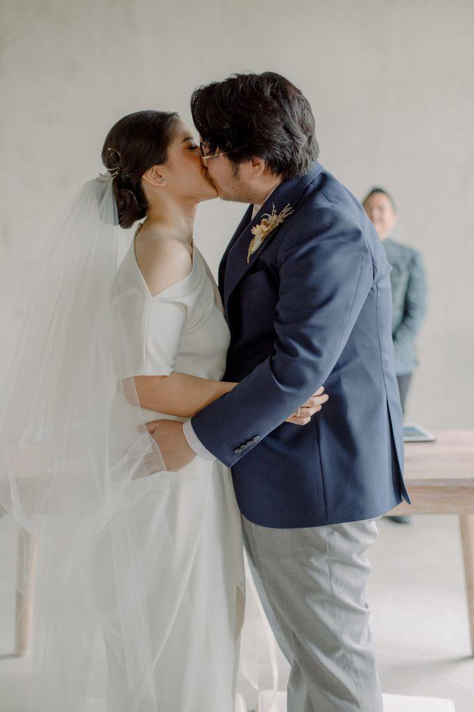 Intimate Wedding - Lukas & Olivia by Iris Photography - 027