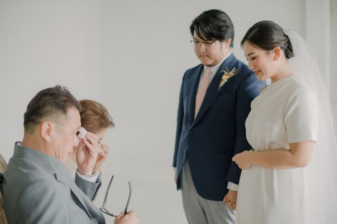 Intimate Wedding - Lukas & Olivia by Iris Photography - 028