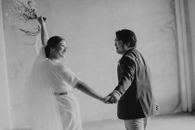 Intimate Wedding - Lukas & Olivia by Iris Photography - 038