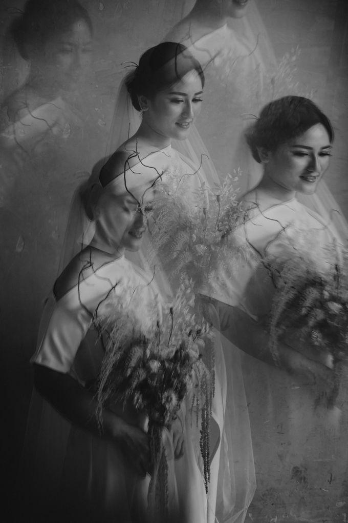 Intimate Wedding - Lukas & Olivia by Iris Photography - 044