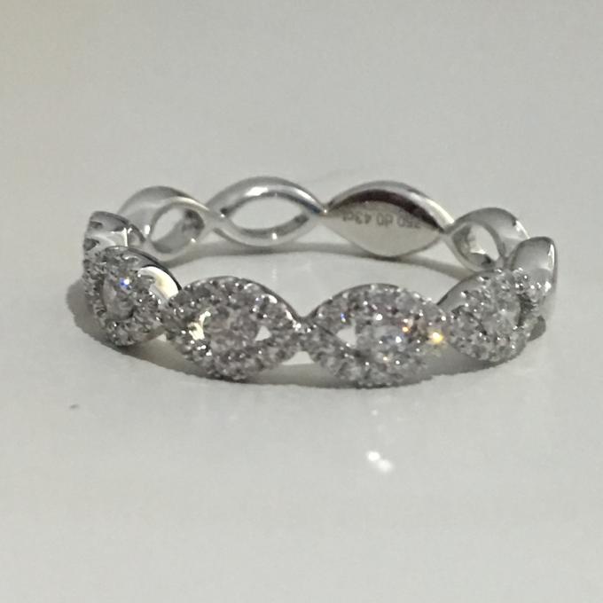 Diamond Ring by Rosario Mutiara - 024