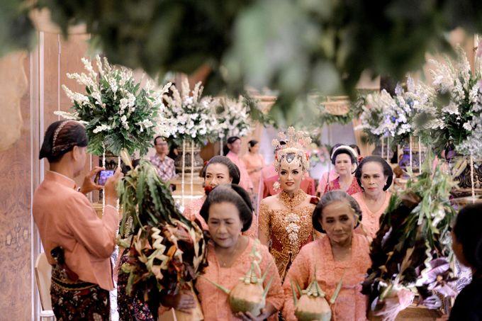 The Wedding of Krisna & Helga by Patron Wedding Organizer Yogyakarta - 007
