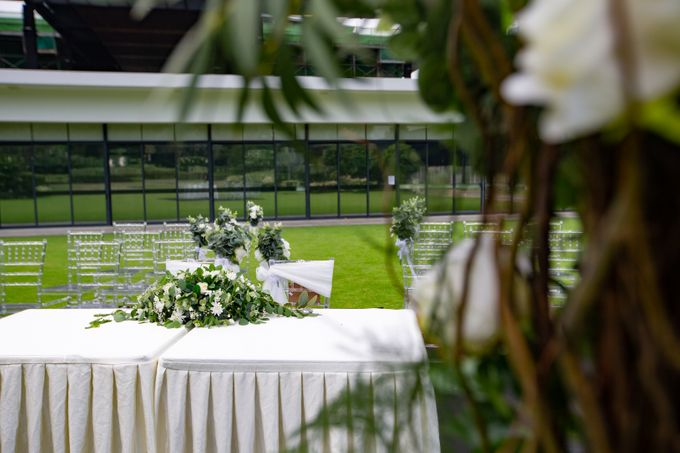 A Rustic Botanical Wedding at Hort Park by Manna Pot Catering - 014