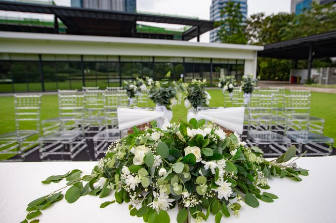 A Rustic Botanical Wedding at Hort Park by Manna Pot Catering - 015