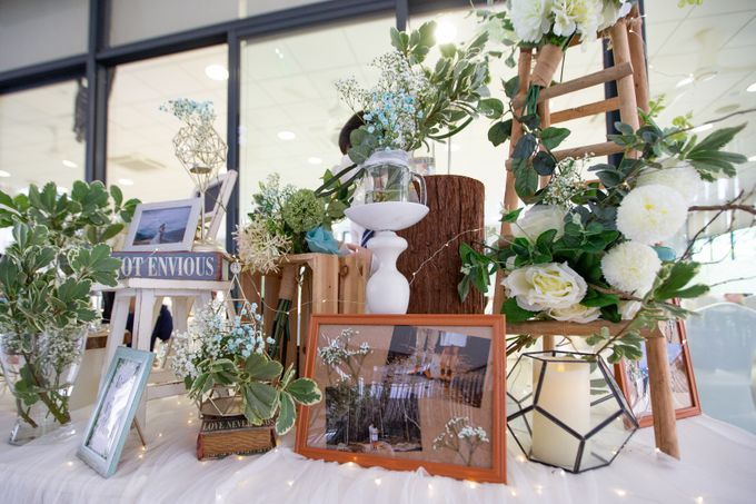 A Rustic Botanical Wedding at Hort Park by Manna Pot Catering - 020