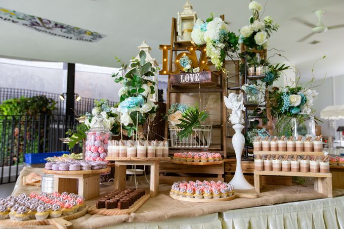 A Rustic Botanical Wedding at Hort Park by Manna Pot Catering - 027