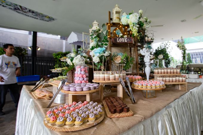A Rustic Botanical Wedding at Hort Park by Manna Pot Catering - 029