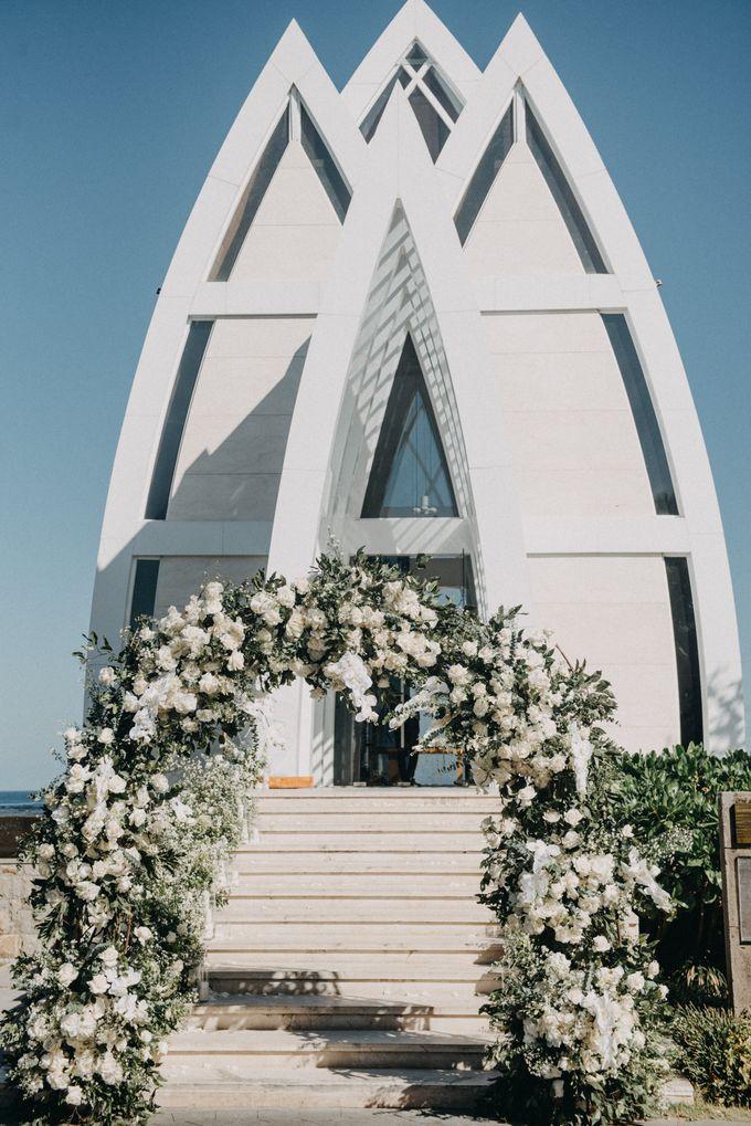 The Wedding of Gina & Region by Red Gardenia - 009