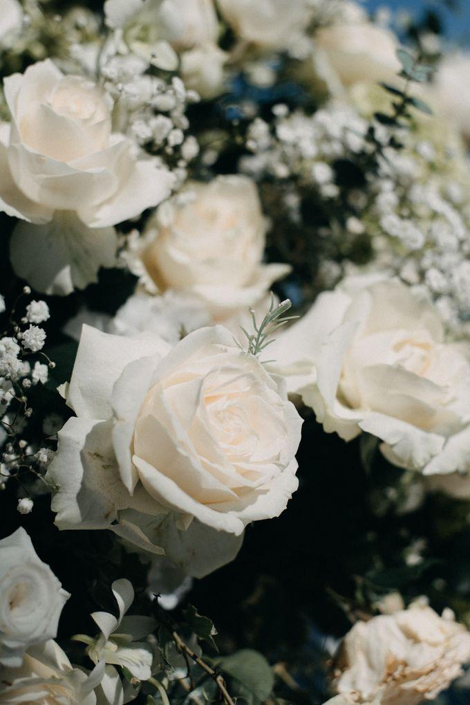 The Wedding of Gina & Region by Red Gardenia - 005