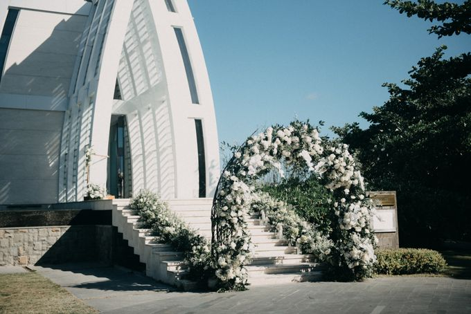 The Wedding of Gina & Region by Red Gardenia - 014