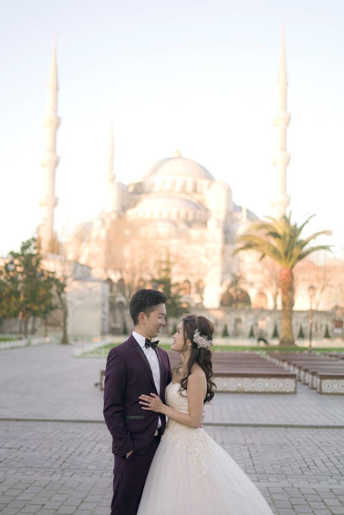 Casual Destination PreWedding at Istanbul by ALLUREWEDDINGS - 001