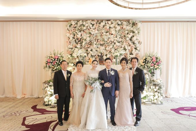 Holy Matrimony & Tea Ceremony Rendy & Tiffany by WYMM Organizer - 015