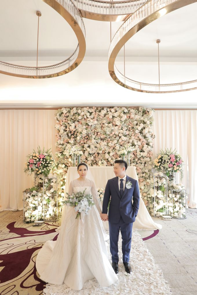 Holy Matrimony & Tea Ceremony Rendy & Tiffany by WYMM Organizer - 028