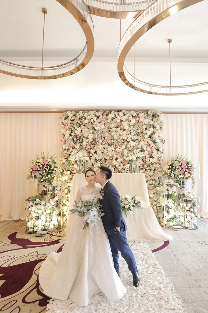 Holy Matrimony & Tea Ceremony Rendy & Tiffany by Priscilla Myrna - 028