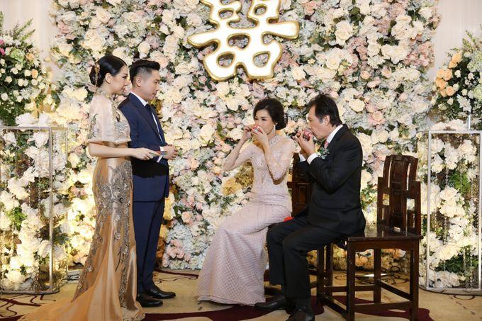 Holy Matrimony & Tea Ceremony Rendy & Tiffany by WYMM Organizer - 042