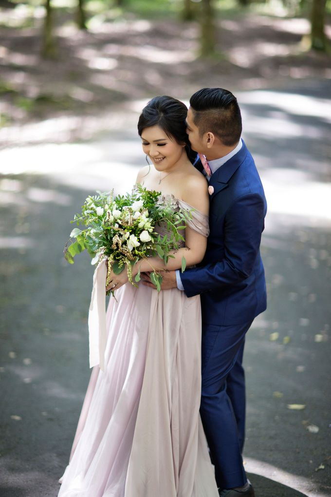 Hendric & Dian Engagement Session by Hope Portraiture - 008