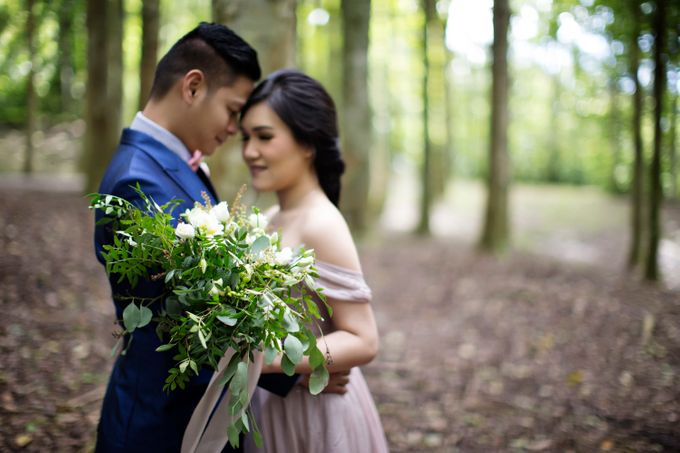 Hendric & Dian Engagement Session by Hope Portraiture - 013