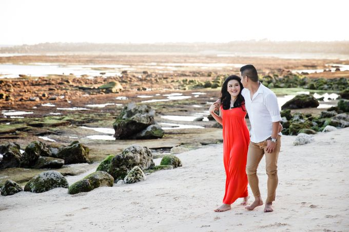 Hendric & Dian Engagement Session by Hope Portraiture - 031