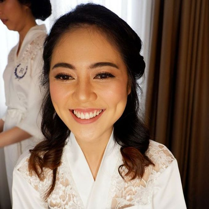 Glowing Makeup For Bridesmaids by MakeupbyDeviafebriani - 001