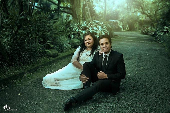 BANDUNG Rita and Michael Prewedding by Therudisuardi - 005
