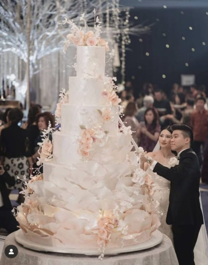 7 & 8 tiers Wedding Cake by LeNovelle Cake - 020