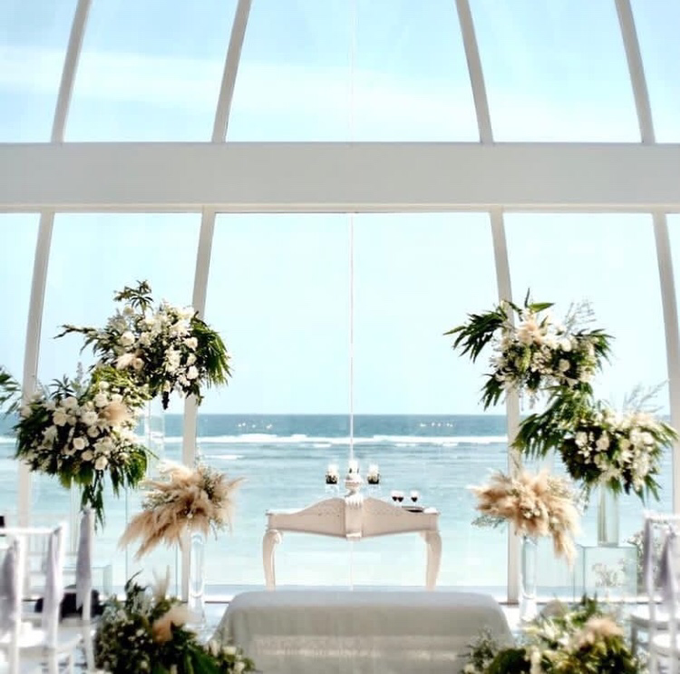 David and Michelle in Bali by Tea Rose Wedding Designer - 012