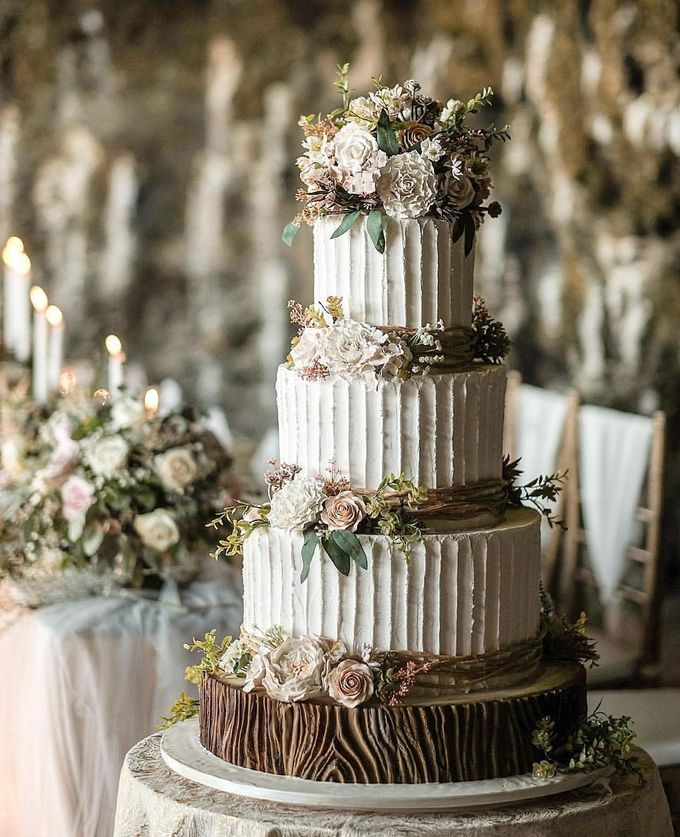 3 layers wedding cakes by LeNovelle Cake - 008
