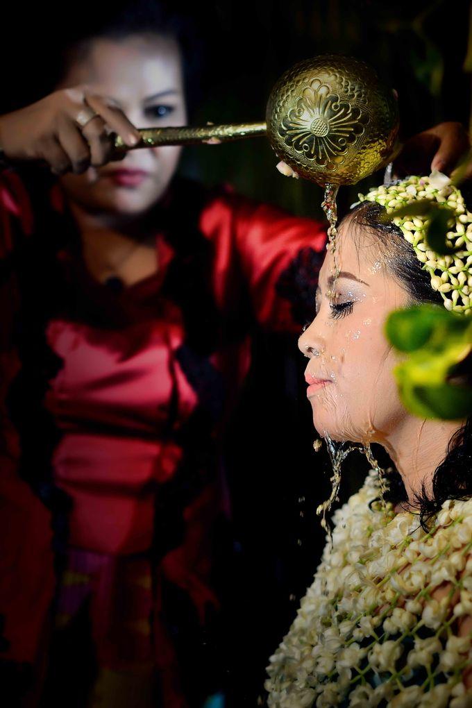 Wedding & Pre Wedding Moments with Grainic by GRAINIC Creative Studio - 025
