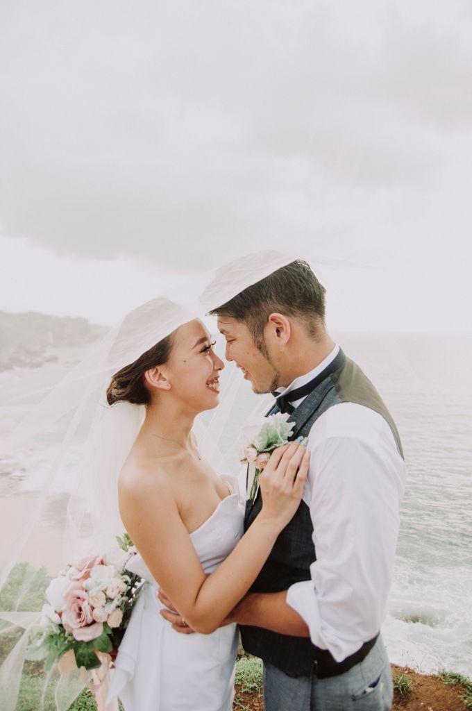 Hiro & Ai Pre-Wedding Session In Tegal Wangi Beach by Satrya Photography - 014