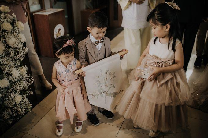 Ryan & Stella Holy Matrimony by Soko Wiyanto - 003