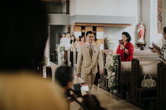 Ryan & Stella Holy Matrimony by Soko Wiyanto - 004