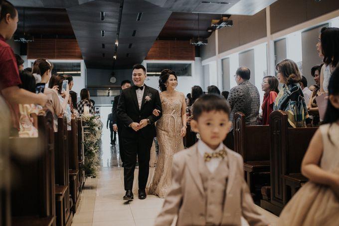 Ryan & Stella Holy Matrimony by Soko Wiyanto - 005