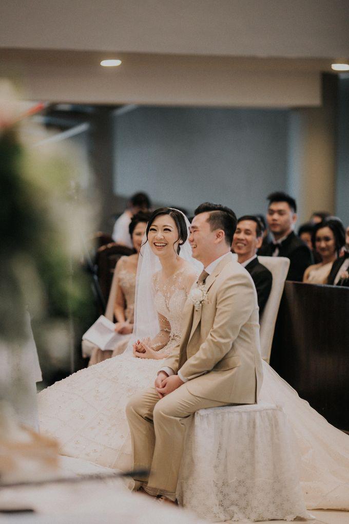 Ryan & Stella Holy Matrimony by Soko Wiyanto - 010