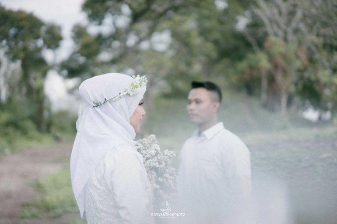 Pre Wedding Session Of Elsa & Adi by Rizwandha Photo - 011