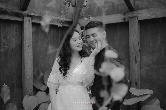 Pre Wedding Of Dita & Louise by Rizwandha Photo - 049