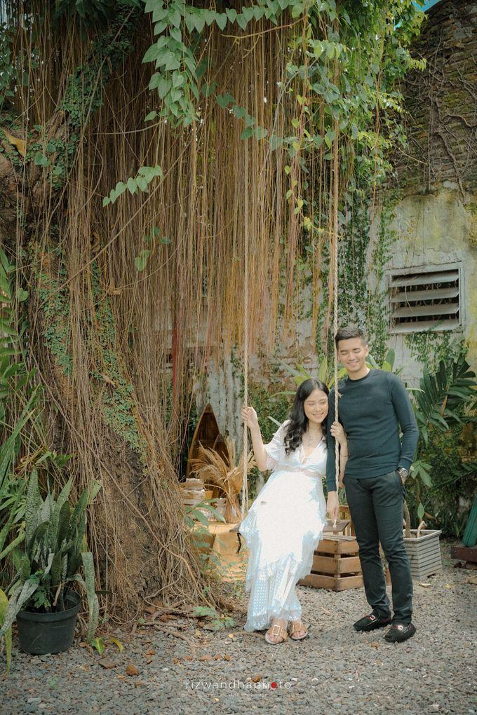 Pre Wedding Of Dita & Louise by Rizwandha Photo - 045