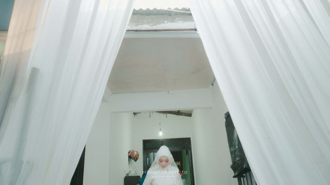 The Wedding Of Isya & Aan by Rizwandha Photo - 005