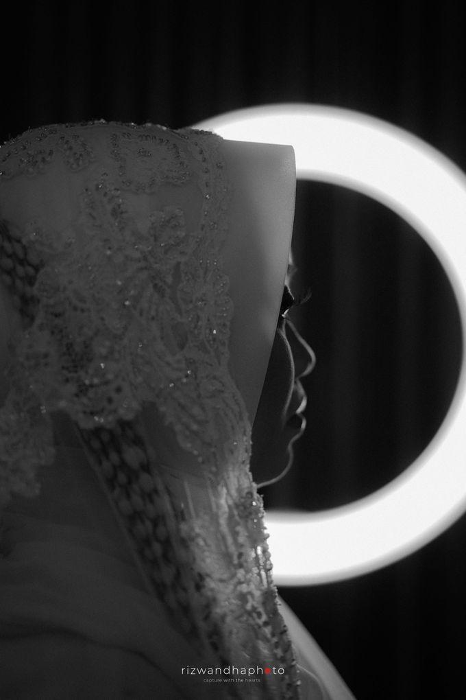 The Wedding Of Isya & Aan by Rizwandha Photo - 024