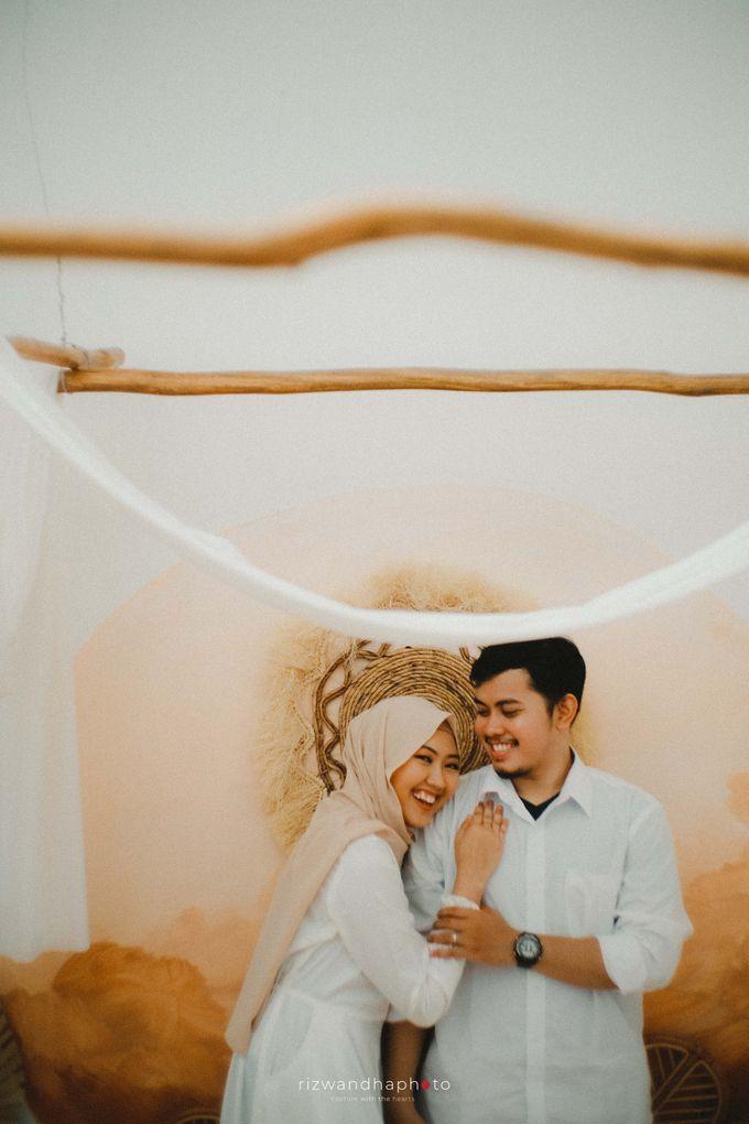 Pre Wedding Of Vika & Febri by Rizwandha Photo - 043
