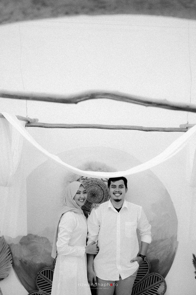 Pre Wedding Of Vika & Febri by Rizwandha Photo - 027